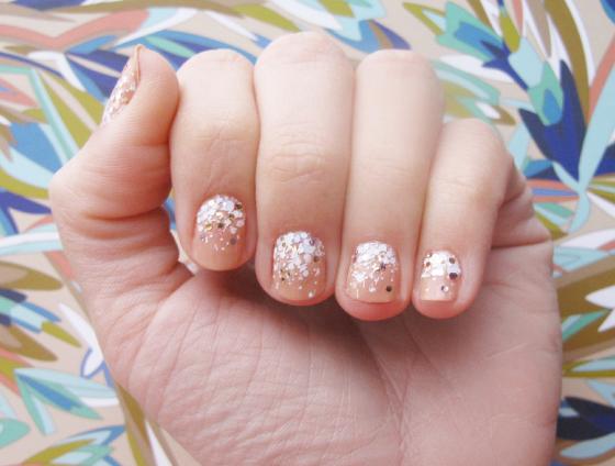 unhas-de-segunda-unhas-decoradas-nail-art-splash-glitter-nanacoco-ombre-nude-cipo-colorama