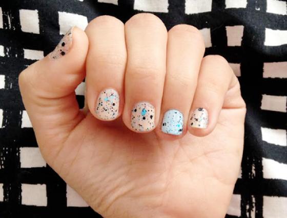 unhas-de-segunda-unhas-decoradas-unhas-diferentes-nail-art-esmalte-maybelline-gap-risque-cocker-street-art-