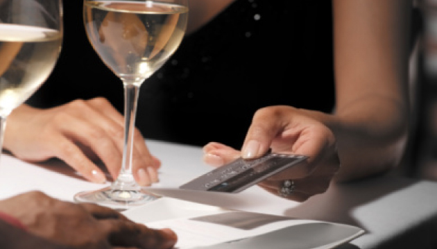 dividir-a-conta-do-restaurante-mulher-e-homem-quem-paga3