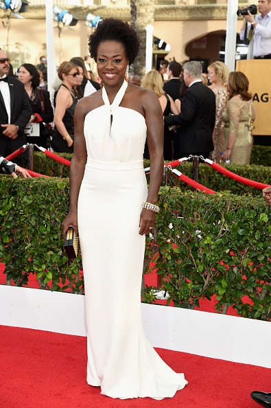 viola-davis-sag-awards-look-red-carpet