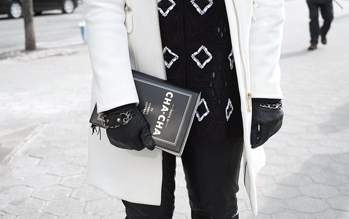 nyc-nyfw-mbfw-look-outfit-winter-fall-2014-fw-trench-kate-spade-clutch-book-leather-pants-mandy-blog-starving