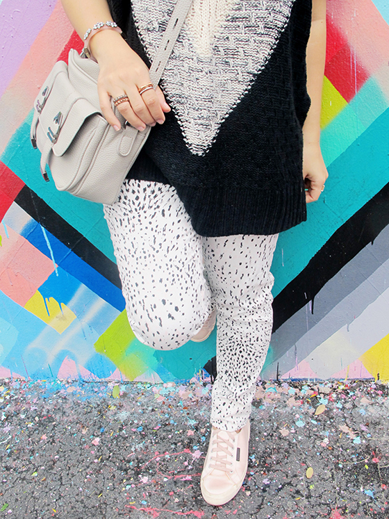 look-do-dia-tricot-manga-curta-gola-alta-calca-poas-hering-tenis-superga-men-repeller-cabelo-long-bob-inspiracao-outfit-of-the-day-mandy-blog-starving-wynwood-miami