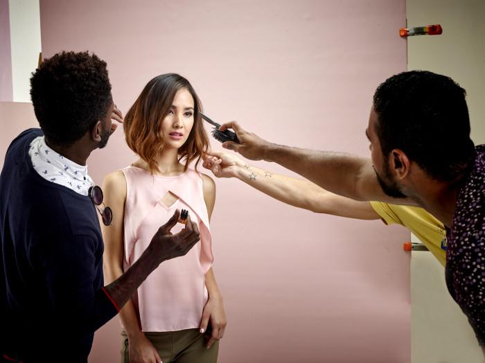 São muitos detalhes e, claro, temos mãos experts para cada um deles - Gil Martins, Fred Silveira e Val Cordeiro dão um show de hairstyling