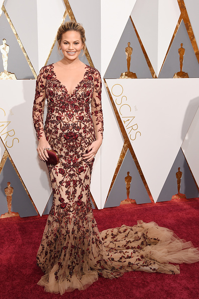 HOLLYWOOD, CA - FEBRUARY 28: Model Chrissy Teigen attends the 88th Annual Academy Awards at Hollywood & Highland Center on February 28, 2016 in Hollywood, California. (Photo by Kevork Djansezian/Getty Images)
