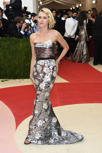 """NEW YORK, NY - MAY 02:  Naomi Watts attends the """"Manus x Machina: Fashion In An Age Of Technology"""" Costume Institute Gala at Metropolitan Museum of Art on May 2, 2016 in New York City.  (Photo by Larry Busacca/Getty Images)"""