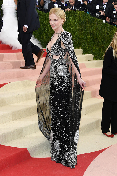 """NEW YORK, NY - MAY 02: Nicole Kidman attends the """"Manus x Machina: Fashion In An Age Of Technology"""" Costume Institute Gala at Metropolitan Museum of Art on May 2, 2016 in New York City.  (Photo by Larry Busacca/Getty Images)"""
