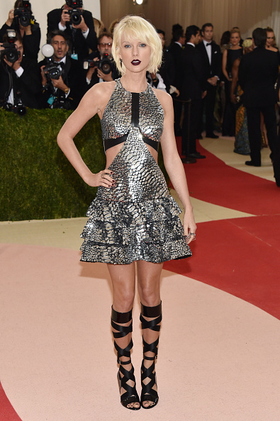 """NEW YORK, NY - MAY 02:  Taylor Swift attends the """"Manus x Machina: Fashion In An Age Of Technology"""" Costume Institute Gala at Metropolitan Museum of Art on May 2, 2016 in New York City.  (Photo by John Shearer/Getty Images)"""